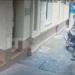Así roban una moto en pleno centro de la ciudad